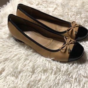 Vionic dress shoe